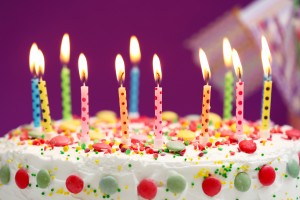 Birthday-cake-colorful-candles-flame_2560x1920