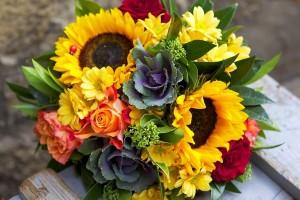 kupit-krasivyj-buket-s-podsolnuhami-v-internet-magazine-cvetov